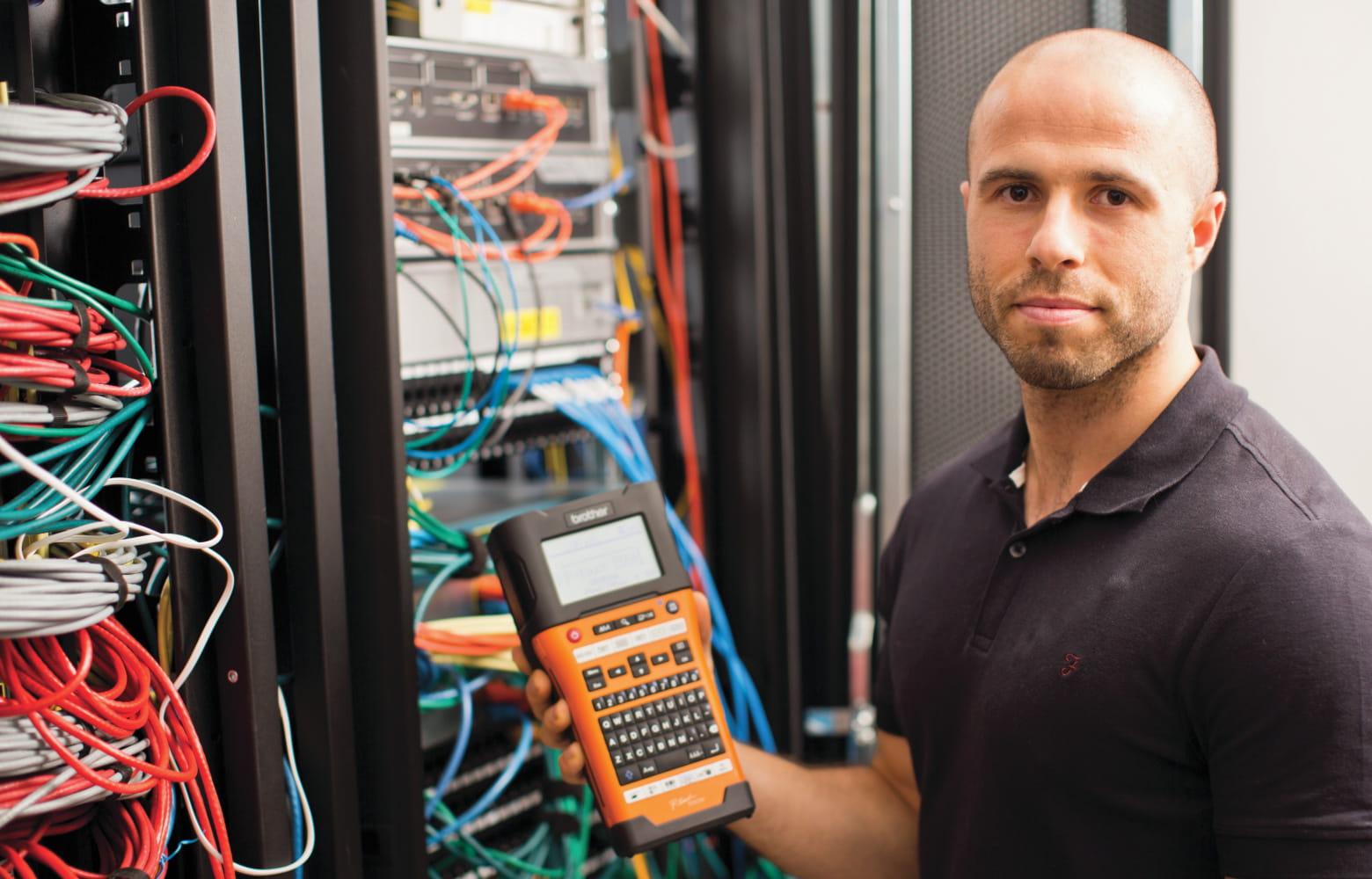 Nätverksinstallatör med Brother PT-E550WVP