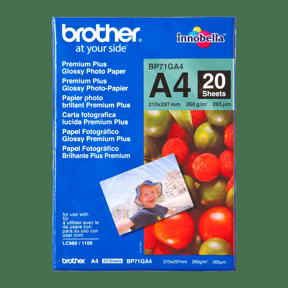 Ett paket med Brother A4 papper