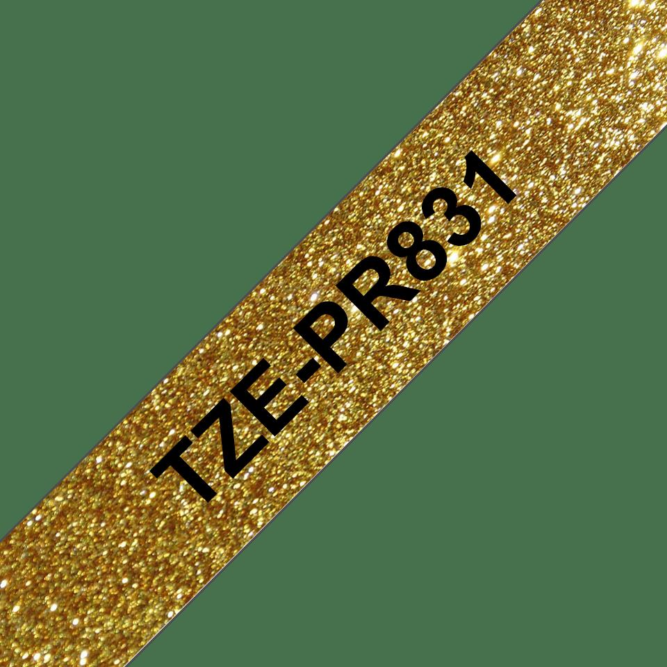 Brother original  TZe-PR831 etikettape – svart på glittrande guld, 12 mm bred